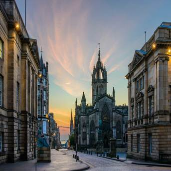 7D UK Tour: Paris-London - Cambridge - Edinburgh - Lake District