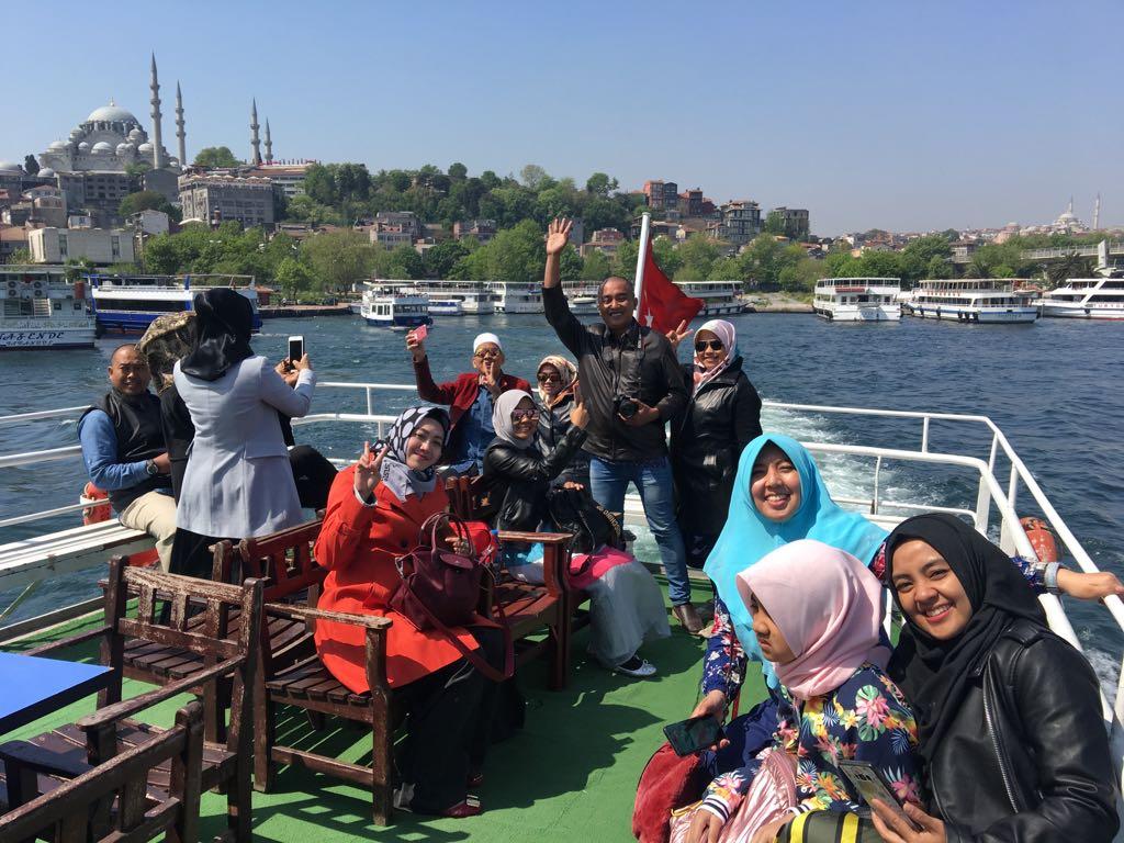 UMROH PLUS TURKI BUY 5 GET 6 (Istanbul dan Bursa)